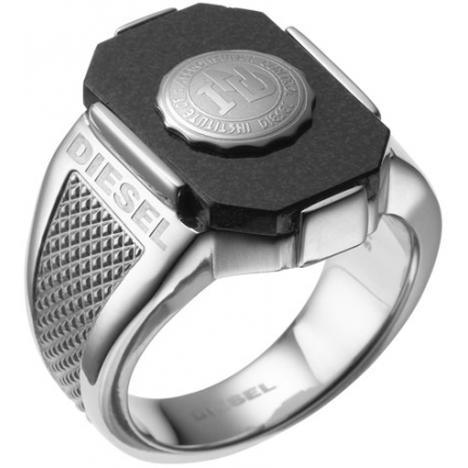 Th e men's black DX0051 ring with its black band and silver Diesel lettering ...
