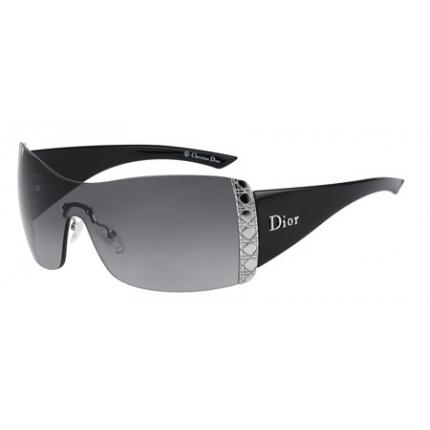 2ba971e3dff These sunglasses are a great way of injecting instant glamour with the most  casual of outfits with their sleek jet black frames ...